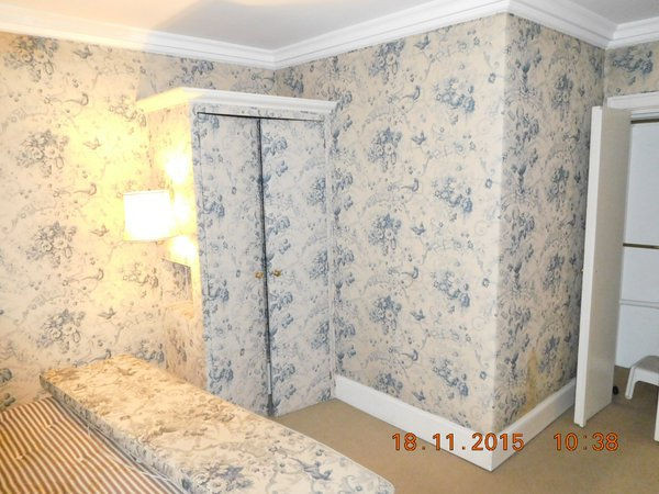 wallpapered room - building surveyor surrey